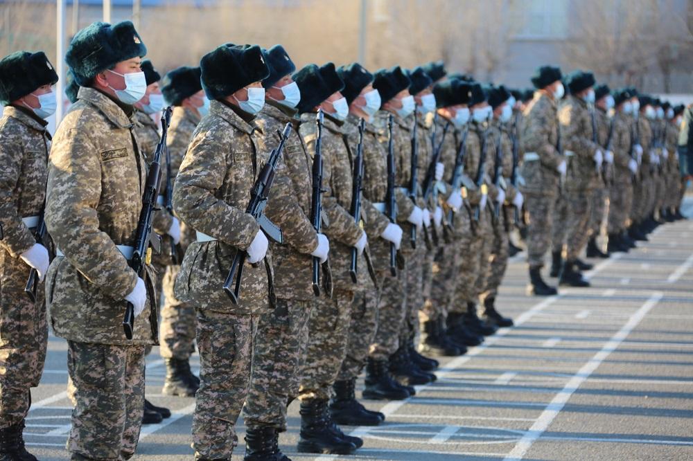 Более полутора тысяч солдат срочной службы приняли военную присягу