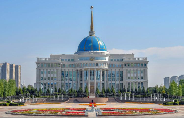Токаев сообщает, что число пострадавших растет в результате взрывов на складе с боеприпасами
