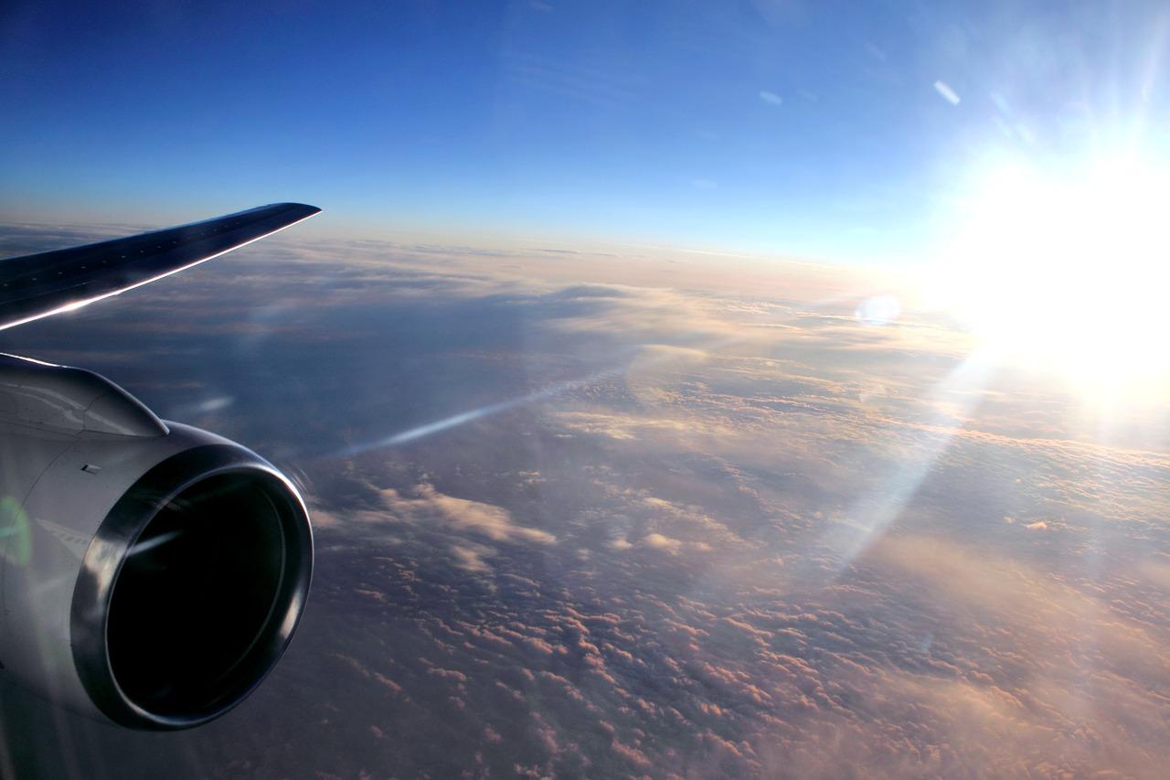 Казахстанцам разрешили прилетать в Россию из третьих стран
