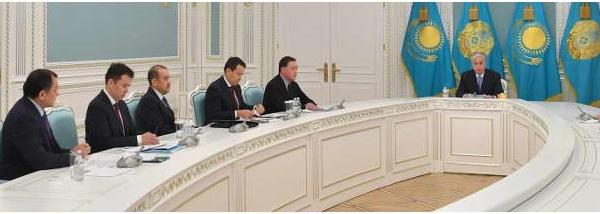 Глава государства провел совещание по экономической ситуации в стране