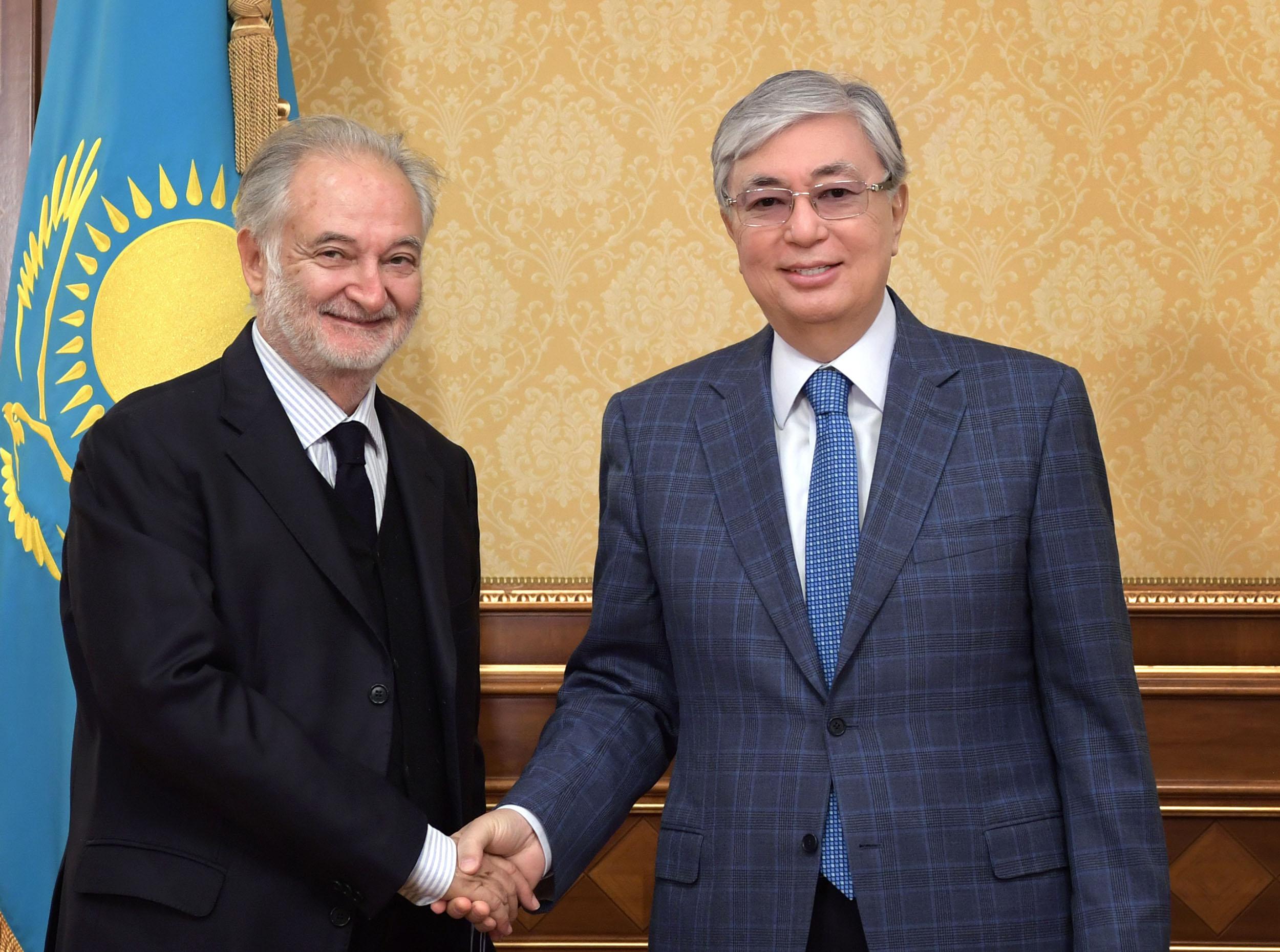 Токаев обсудил с французским политиком Аттали социально-экономические преобразования в Казахстане