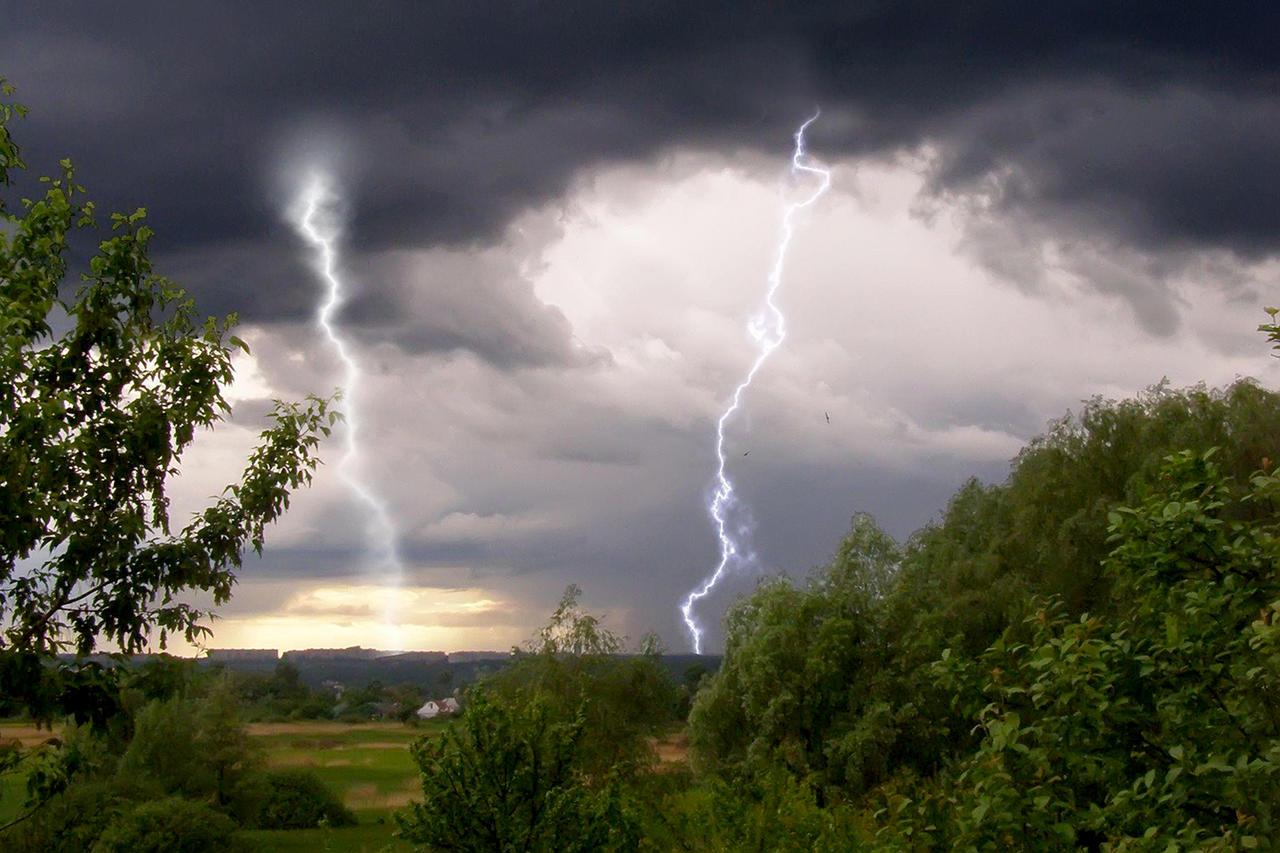 Погода в Казахстане: в четырех регионах Казахстана ожидается гроза