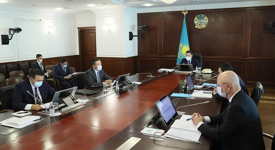 Аскар Мамин поручил актуализировать экономическую карту регионов по итогам первого полугодия