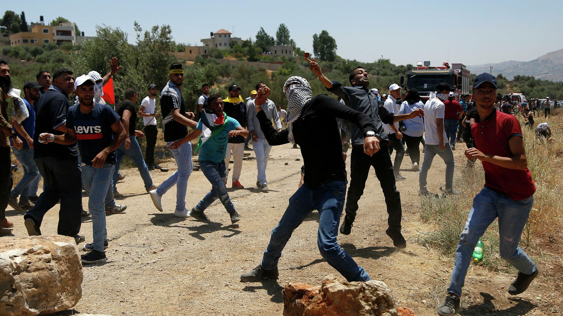 Число раненых палестинцев в стычках с полицией в Восточном Иерусалиме превысило 305