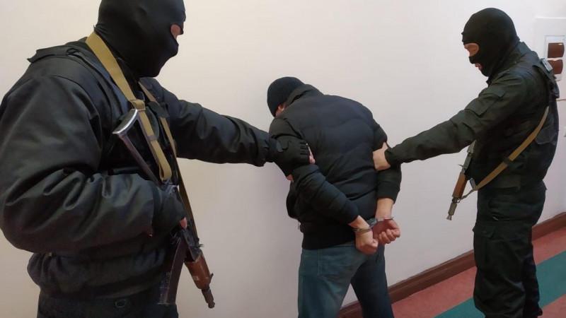 Түркістан облысында қарумен қашып кеткен сарбаз ұсталды