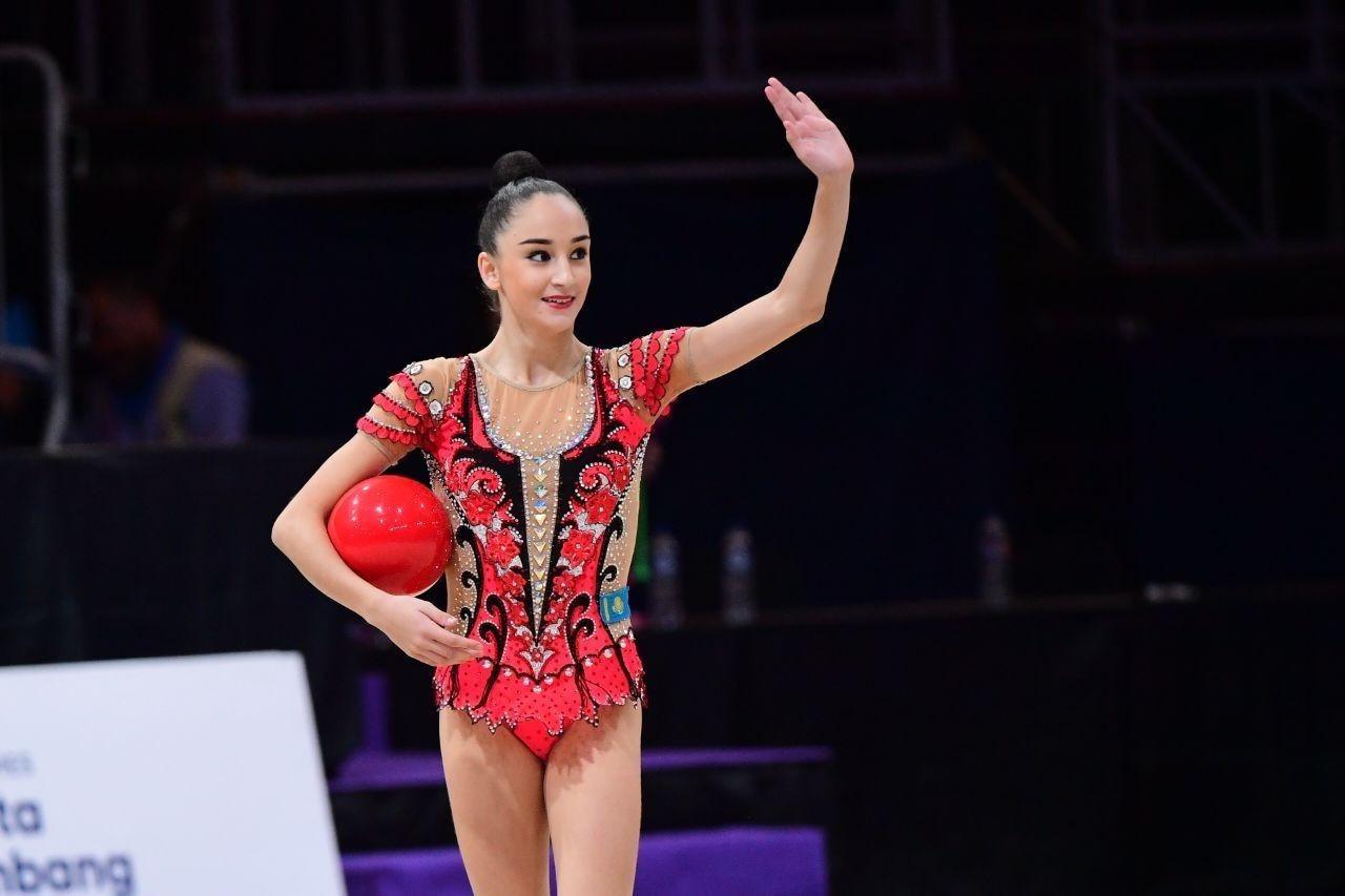 Алина Адилханова завоевала два серебра чемпионата Азии по художественной гимнастике