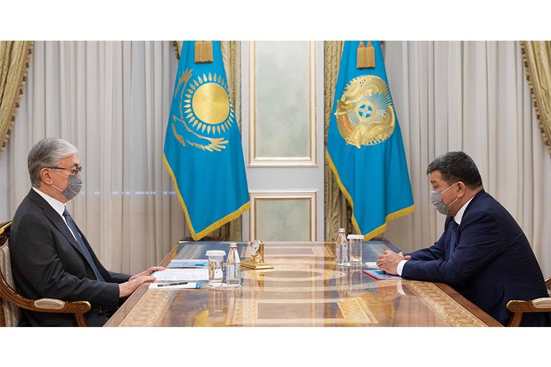 Глава государства принял акима Атырауской области Махамбета Досмухамбетова