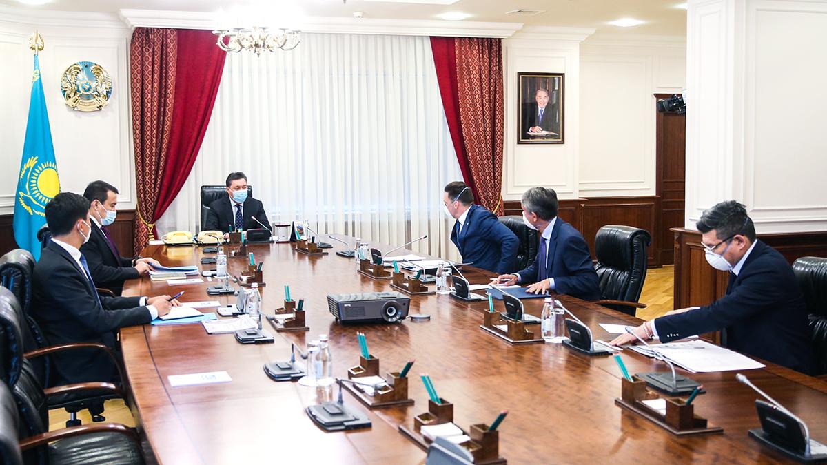 Аскар Мамин обсудил с главой ЕАБР реализацию инвестпроектов в Казахстане