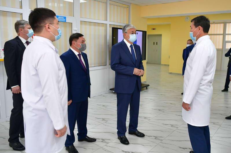 Қасым-Жомарт Тоқаев Көкшетау қаласындағы онкологиялық емханаға барды