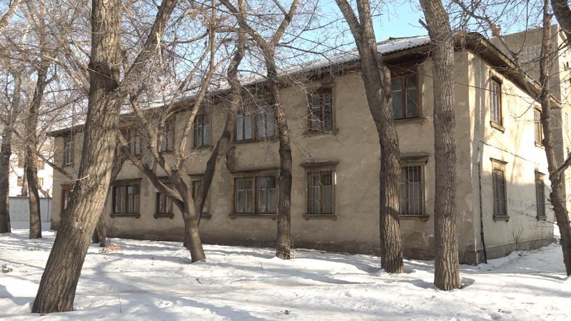 Павлодардағы ескі ағаш үйлердің тұрғындары жылдар бойы қиындықты бастан өткеріп келеді