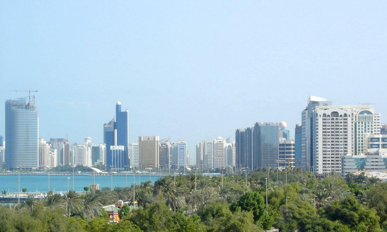 В ОАЭ смягчили правила продажи алкоголя туристам