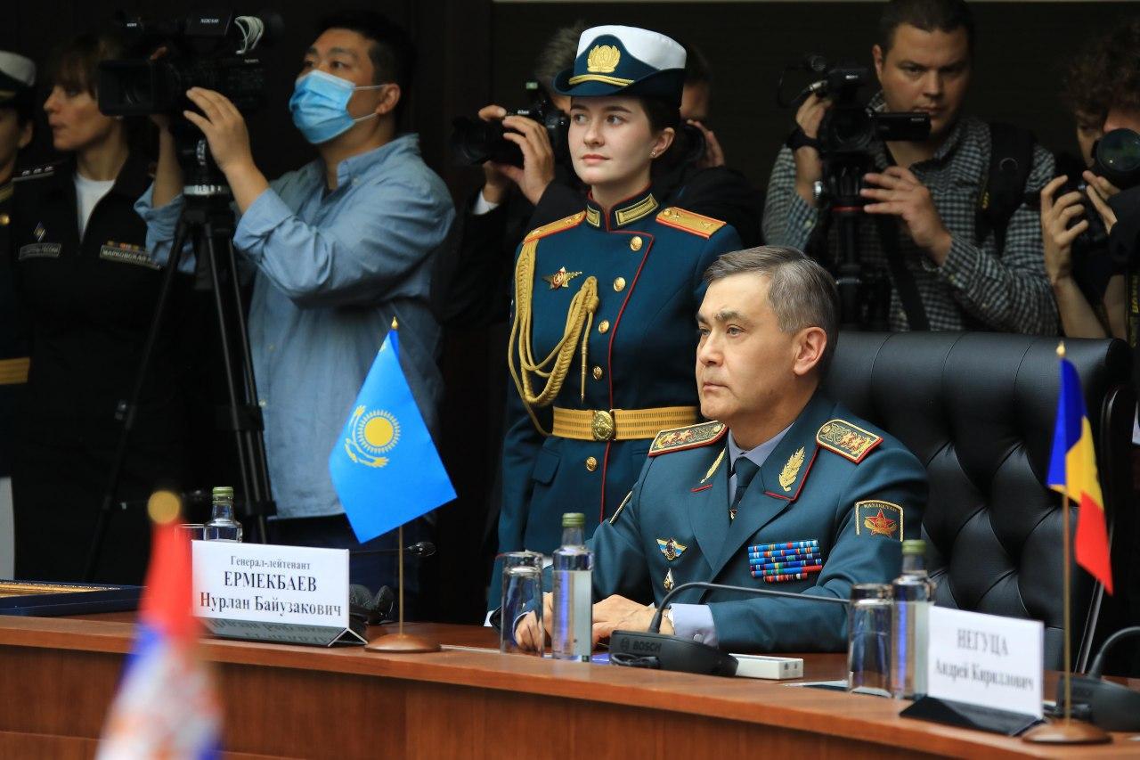 Нурлан Ермекбаев принял участие в совместном заседании глав оборонных ведомств ШОС, СНГ и ОДКБ