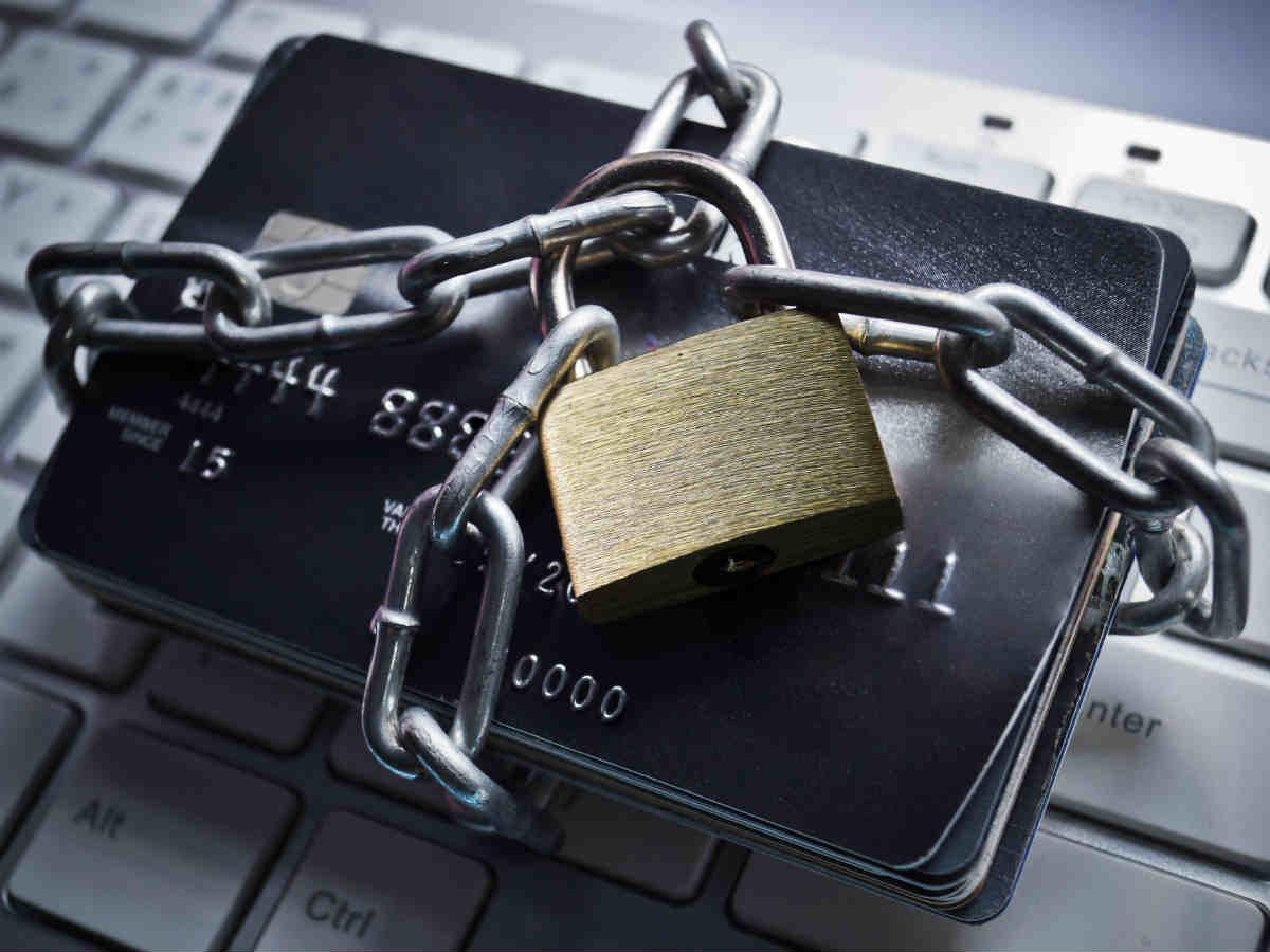 Памятка для потребителя: что делать, если карта или банковский счет заблокированы
