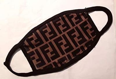 В Италии распродали все фирменные маски Fendi стоимостью около €200