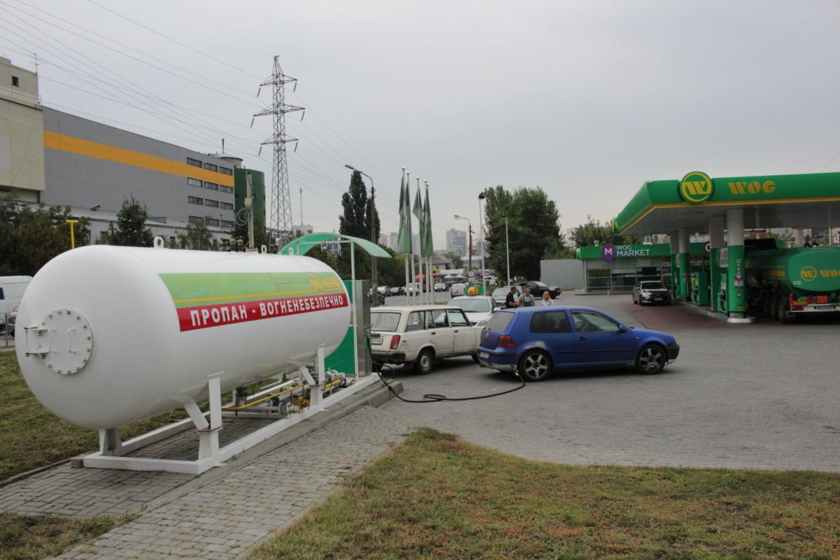 Реализаторы сжиженного газа в Актау требуют справедливого распределения топлива