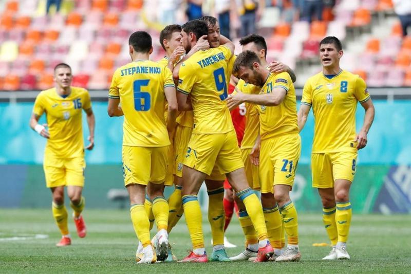 Футболдан Еуропа чемпионаты: Украина алғашқы жеңісіне қол жеткізді