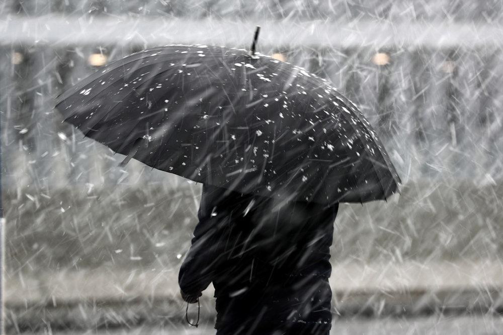 В десяти регионах РК объявлено штормовое предупреждение