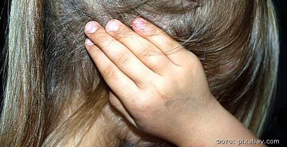 В СКО по подозрению в избиении трехлетней девочки задержана ее мать