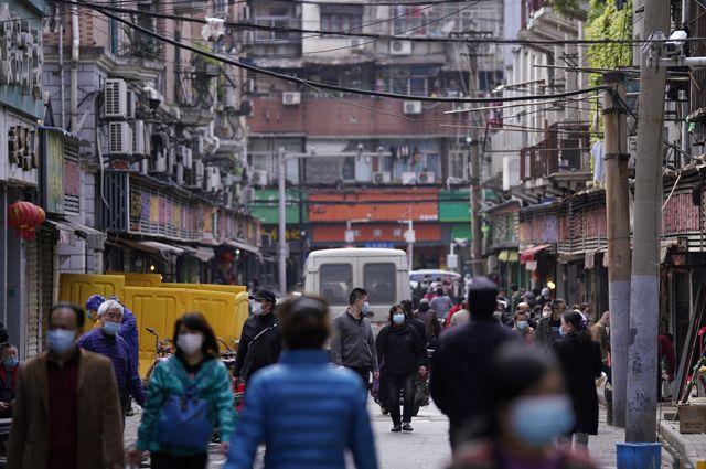 Китайские власти разрешили выезд из Ухани