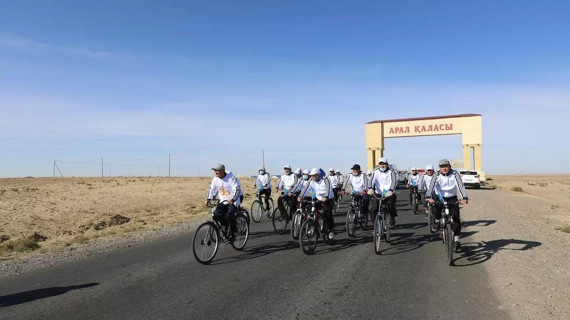Қызылордалық 73 жастағы қария велосипедпен 500 шақырым жолды жүріп өтті