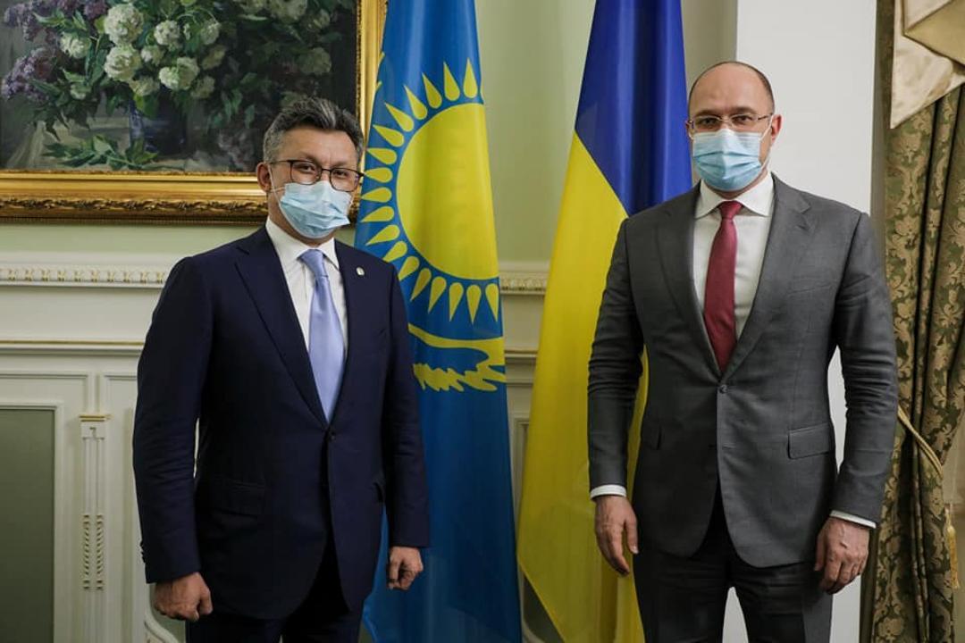 Казахстан готов поставить Украине QazVac в качестве гуманитарной помощи