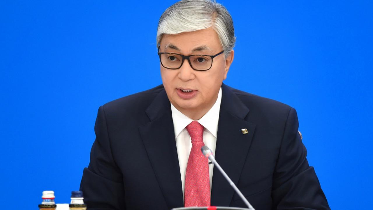 Глава государства поручил внедрить на Хоргосе трекинг движения контейнеров