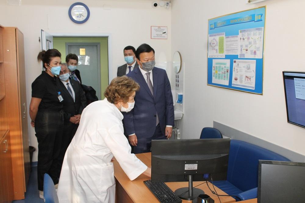 При каждой инфекционной клинике будут построены станции утилизации медотходов – Минздрав
