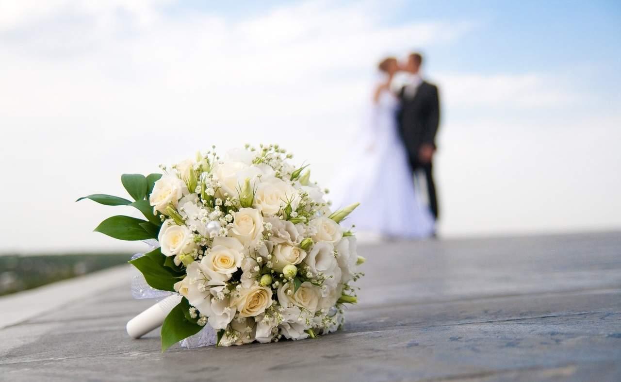9670 казахстанских пар поженились во время режима ЧП