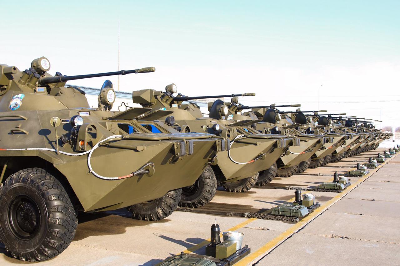 Министр обороны принял участие в испытаниях боевой техники в Талдыкорганском и Алматинском гарнизонах