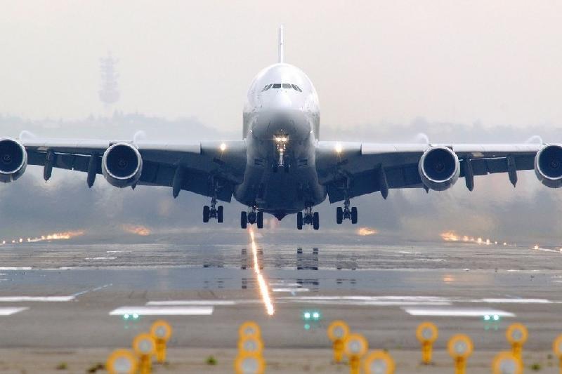 70-ке жуық авиакомпания Қытайға ұшудан бас тартты