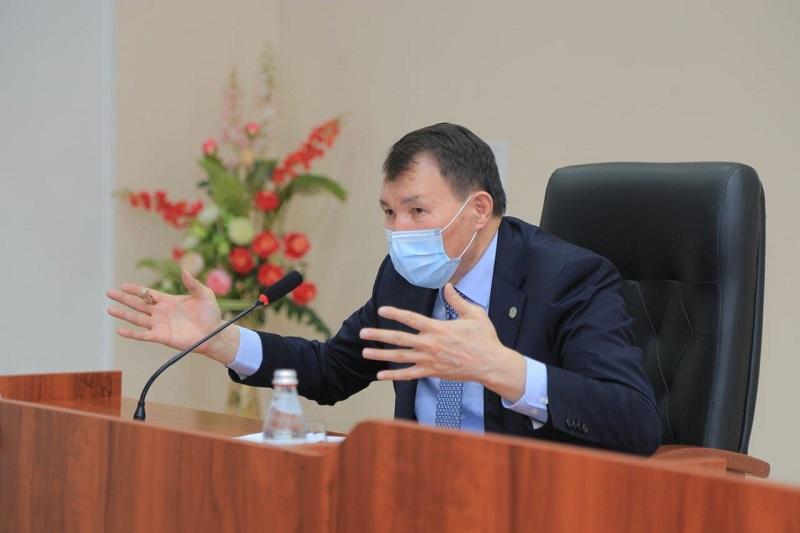 Алик Шпекбаев: «Коррупцию нужно приравнять к измене Родине»