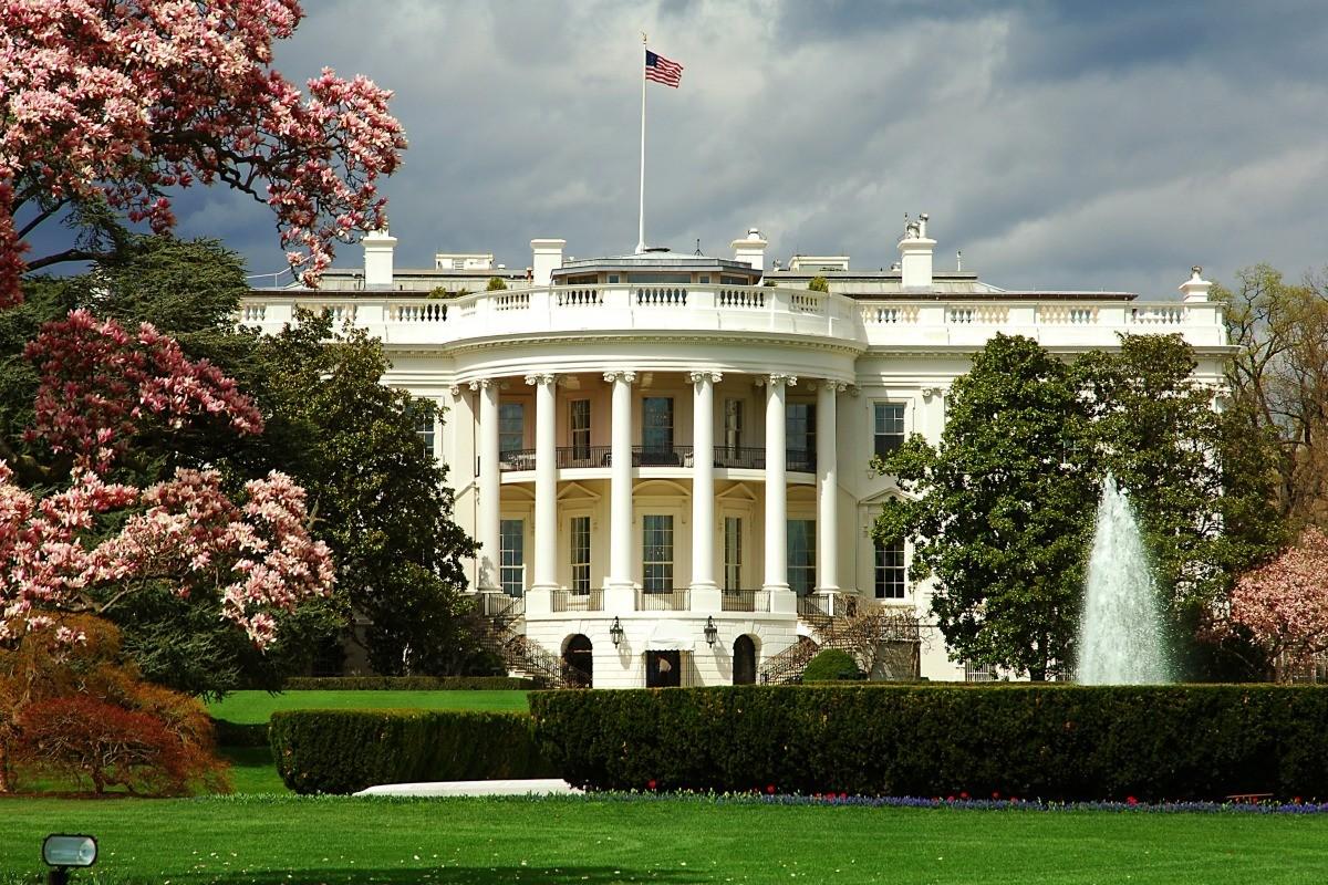 В Белом доме заявили о стремлении к более стабильным отношениям с Россией