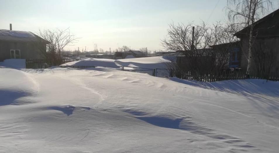 Сельчане на севере Казахстана жалуются на некачественную уборку снега