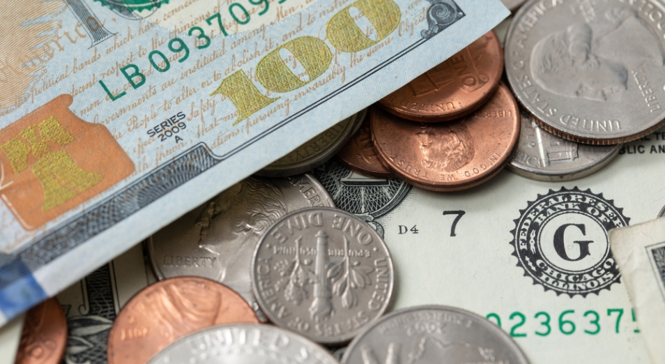 Стал известен курс доллара на выходные