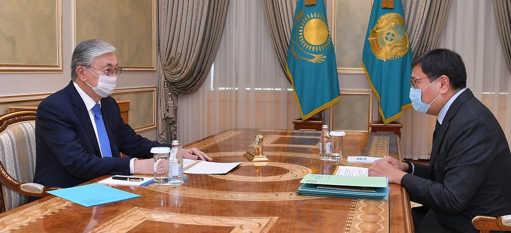 Касым-Жомарт Токаев принял председателя Нацбанка Ерболата Досаева
