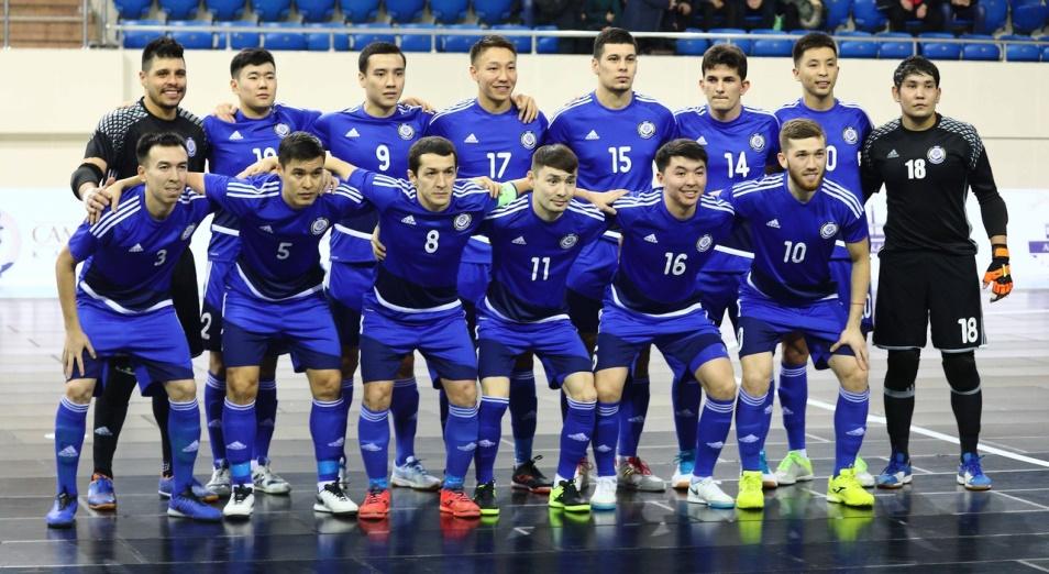Евро-2022: Казахстан завершит отбор без Лео и Оразова
