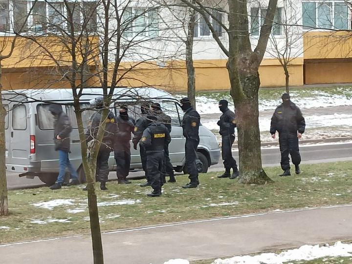 В Минске в ходе локальных акций протеста проходят отдельные задержания