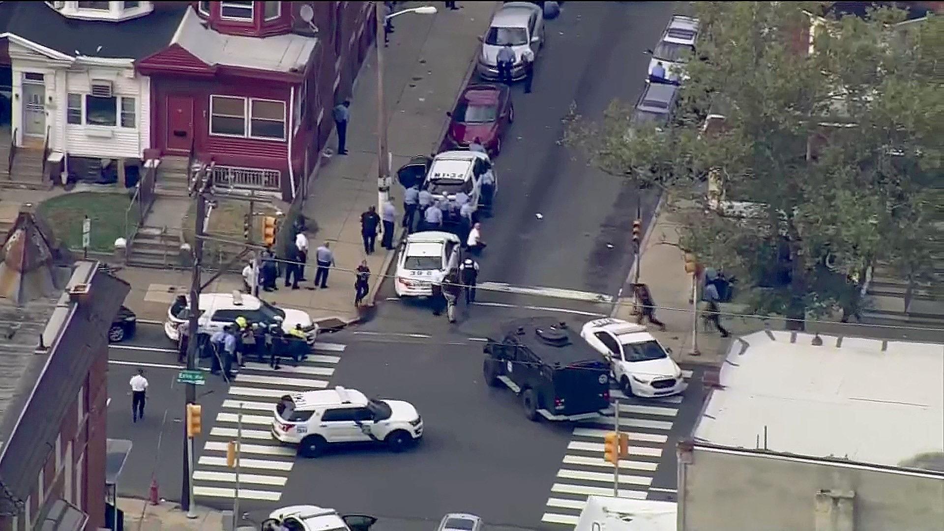Двое погибли и четверо ранены в результате двух инцидентов со стрельбой в Филадельфии