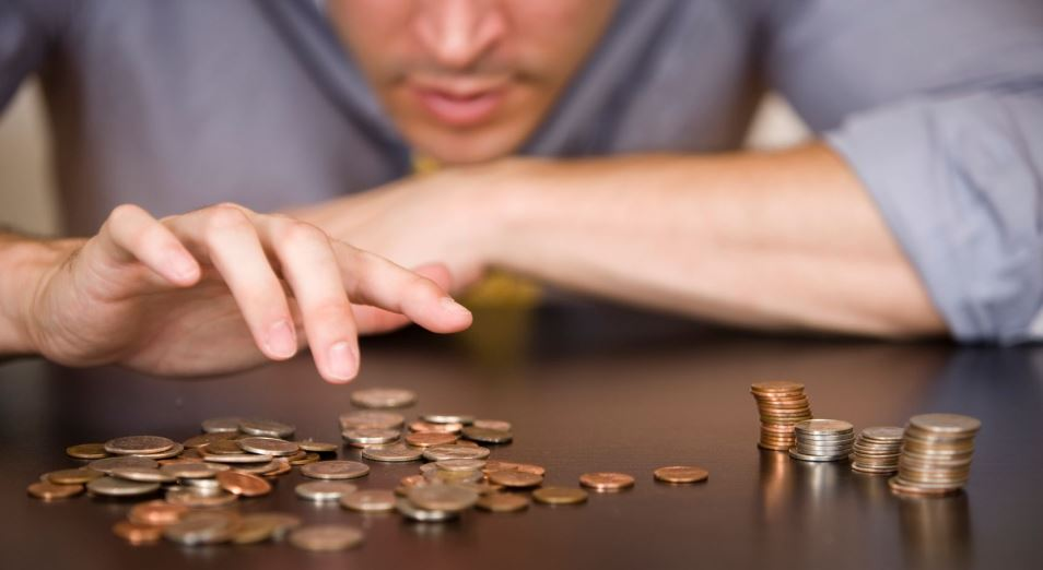 """Инфляция """"съела"""" номинальный рост зарплат в сфере HoReCa"""