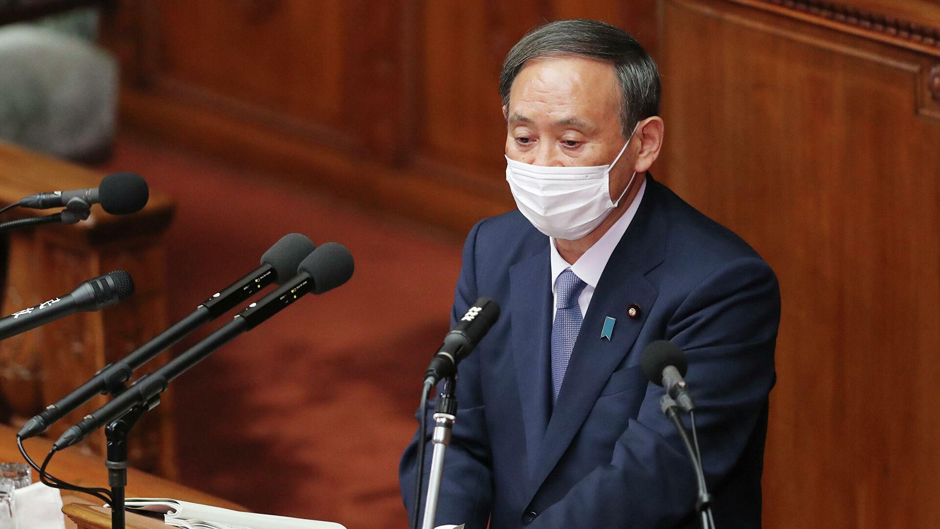 Премьер Японии попросил у Pfizer дополнительные поставки вакцины от COVID-19