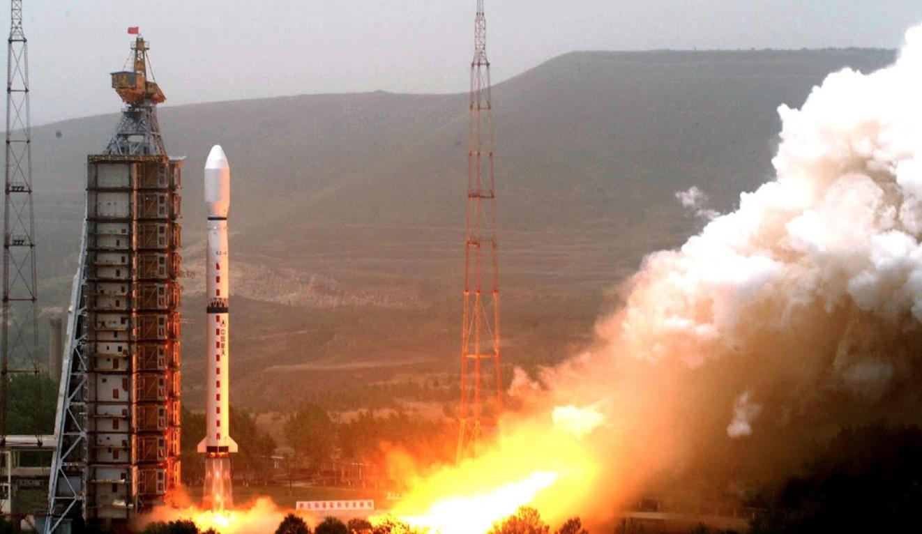 Ракета может упасть на Землю в эти выходные