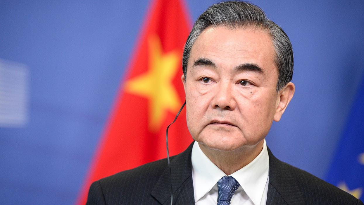 МИД Китая: США постоянно нагло вмешиваются во внутренние дела других стран