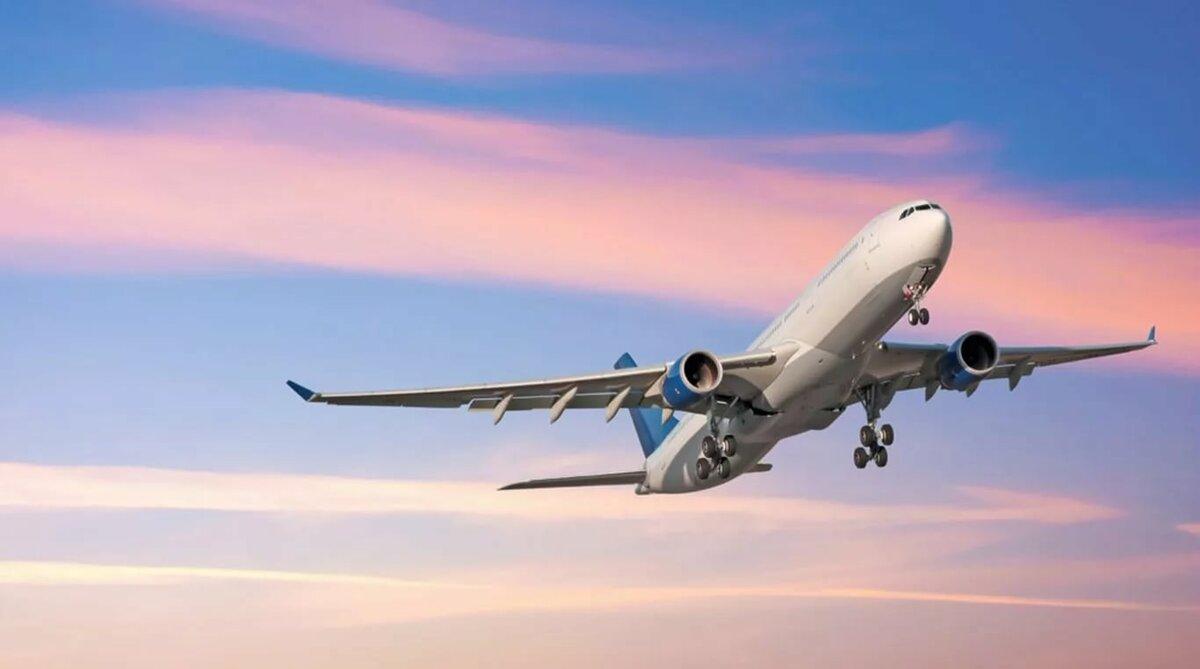 Китай прекращает авиасообщение с Великобританией из-за нового штамма коронавируса