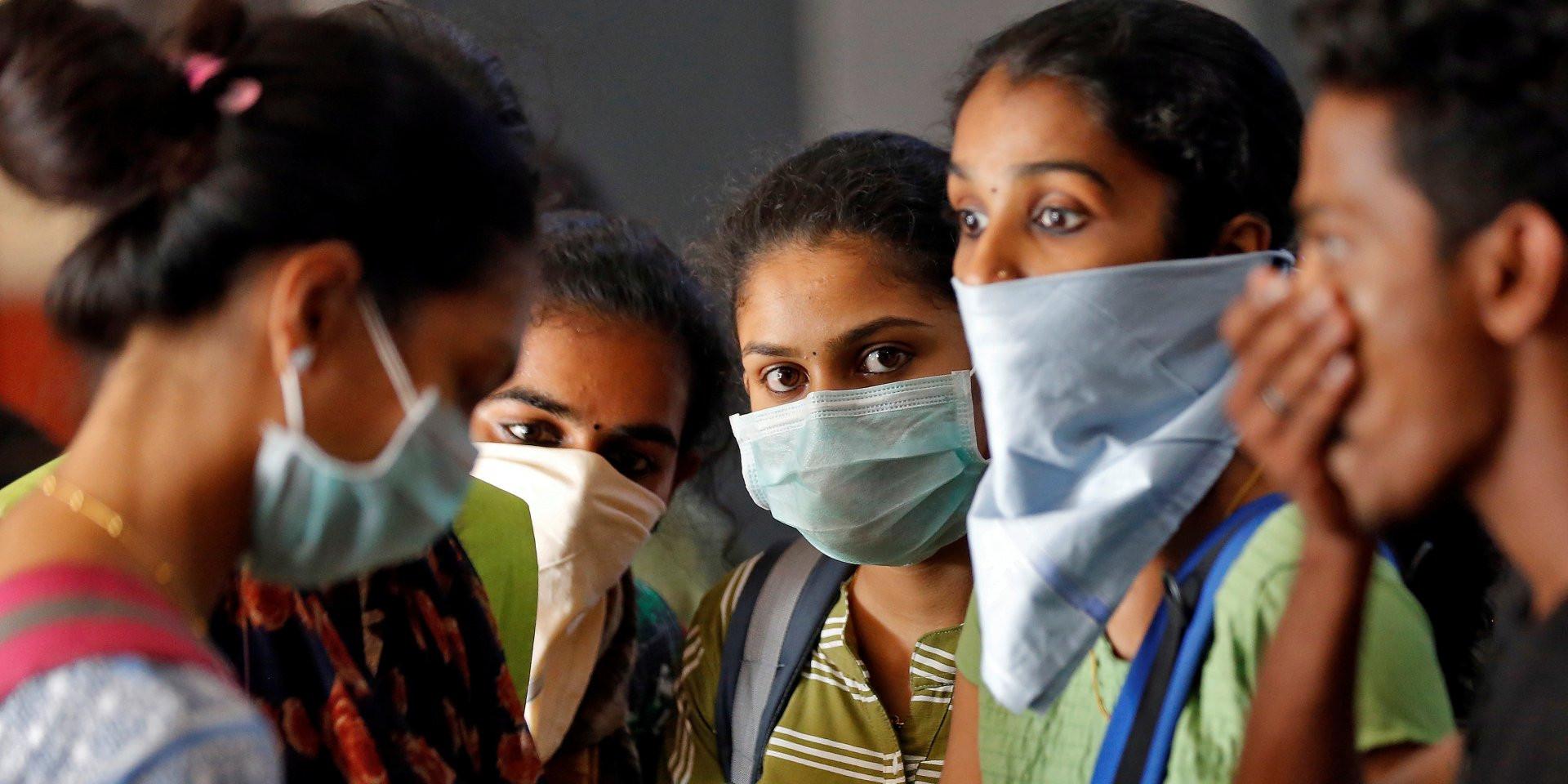 Индия приостановила вакцинацию от коронавируса