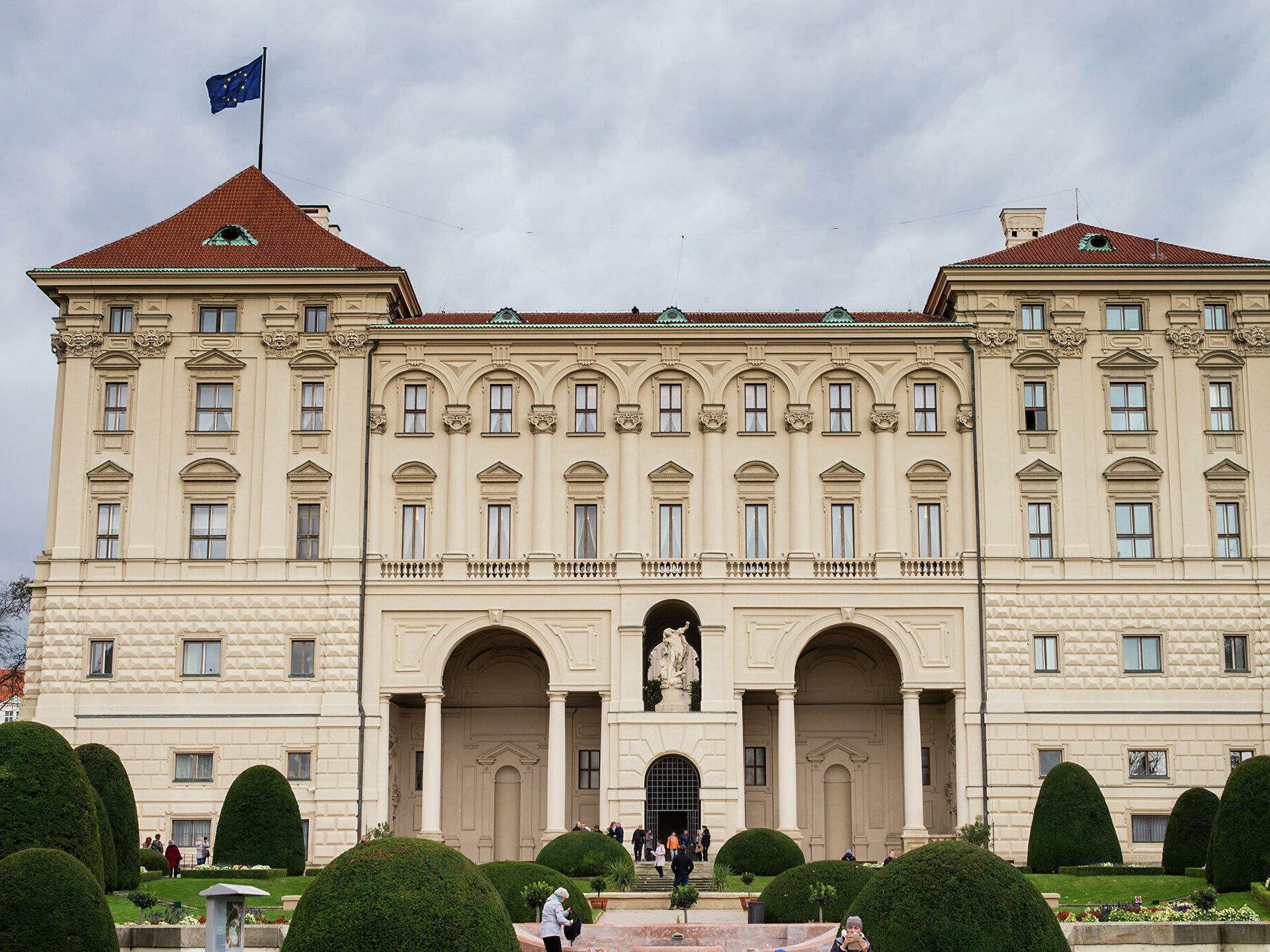 """Чехия инициирует обсуждение """"дела Врбетице"""" на встрече глав МИД ЕС"""