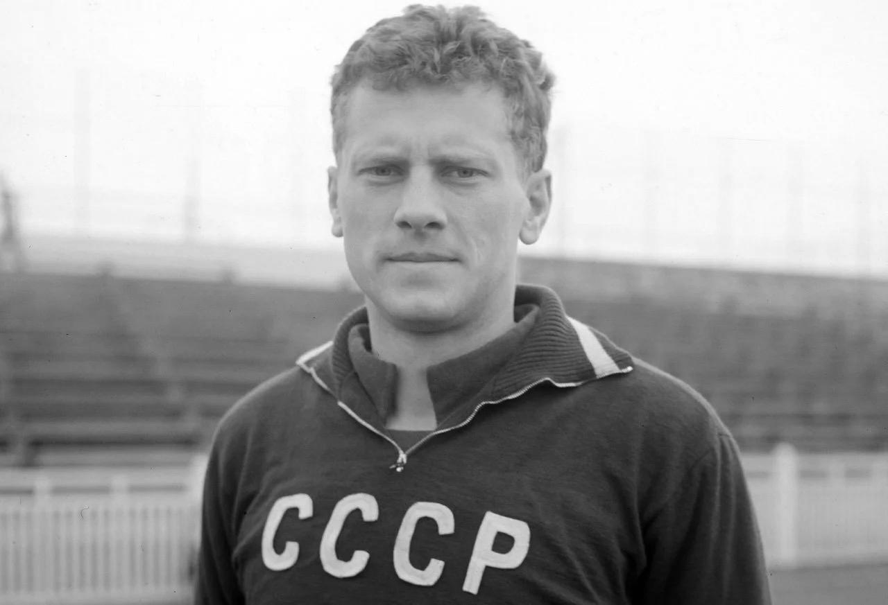 Скончался чемпион Европы по футболу в составе сборной СССР Виктор Понедельник