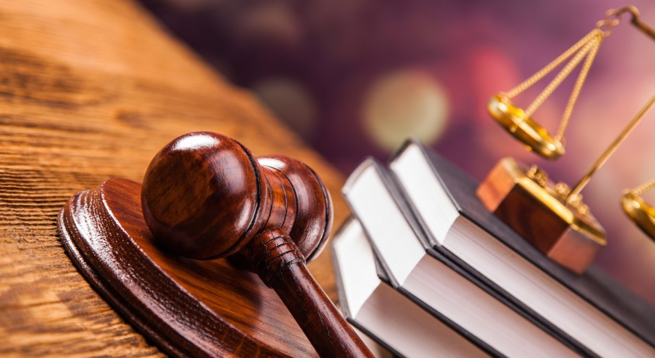 В Риддере начался суд в отношении чиновника из отдела ЖКХ