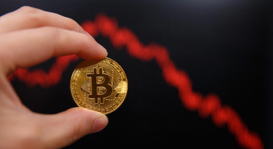 За прошедшую неделю биткоин подешевел еще на несколько процентов