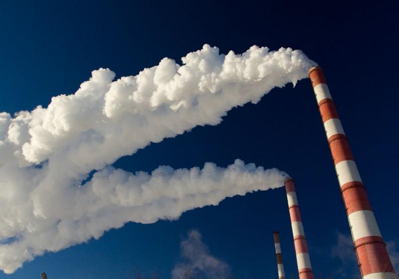 Аким Атырауской области рассказал о мероприятиях для снижения объема выбросов в атмосферу