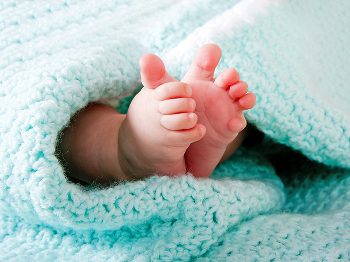 В Талдыкоргане чиновник пытался продать новорожденного ребенка умерших родителей за 400 тысяч тенге